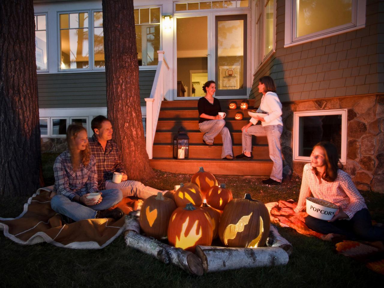 How to Make a Halloween Pumpkin Faux Bonfire how tos