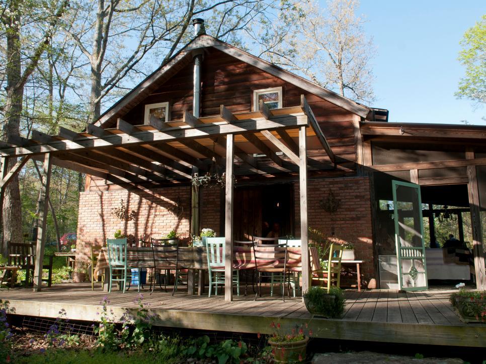 Rustic Outdoor Spaces: Repurposing and Reusing Salvaged Materials | DIY