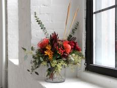Autumn-Floral-Arrangement-budget-blooms