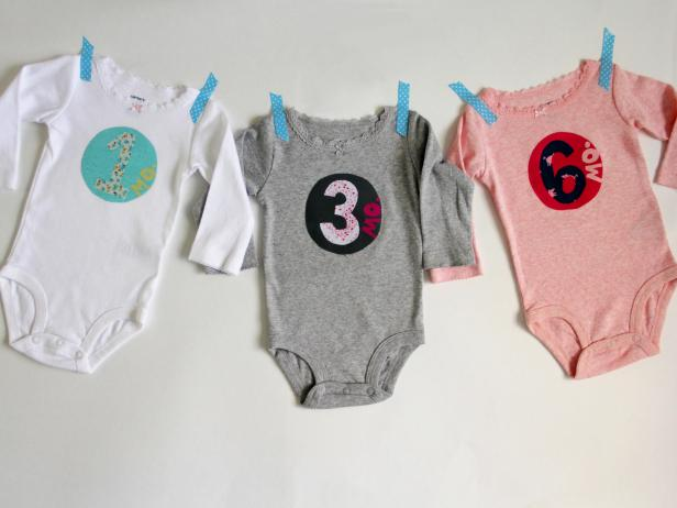 acf2796fb How to Add Fabric Numbers Appliques onto a Onesie