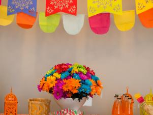 CI-Michelle-Kim_Gender-Reveal-fiesta-shower-flowers3_v
