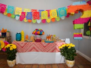 CI-Michelle-Kim_Gender-Reveal-fiesta-shower1_h