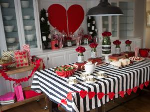 CI-Michelle-Kim_heart-baby-shower-for-multiples-alice-in-wonderland2_h