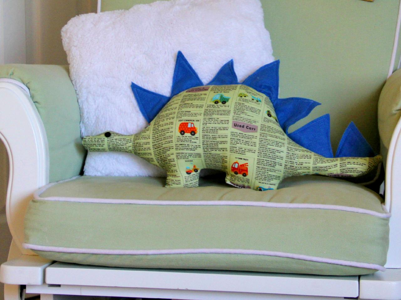 7a57447b44fa How to Make a Dinosaur Softie Toy with Free Pattern