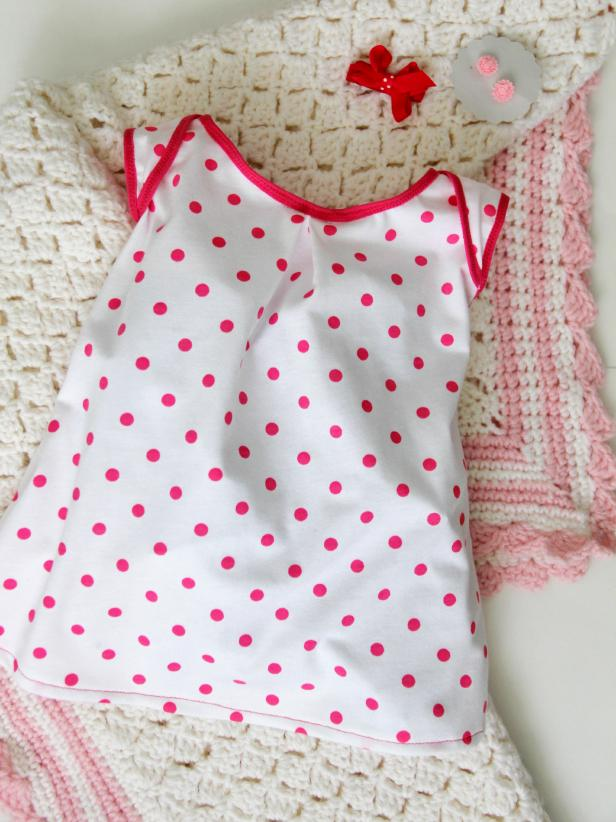 CI-Jess-Abbott_baby-dress-polka-dots-with-blanket_v