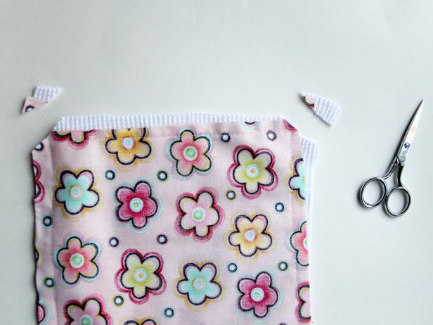 200c76095f97 Easy Sewing Project  How to Make a Baby Burp Cloth