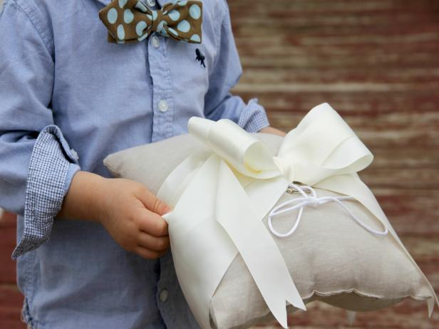 CI-Jess-Abbott_wedding-ring-bearer-pillow-with-boy_h