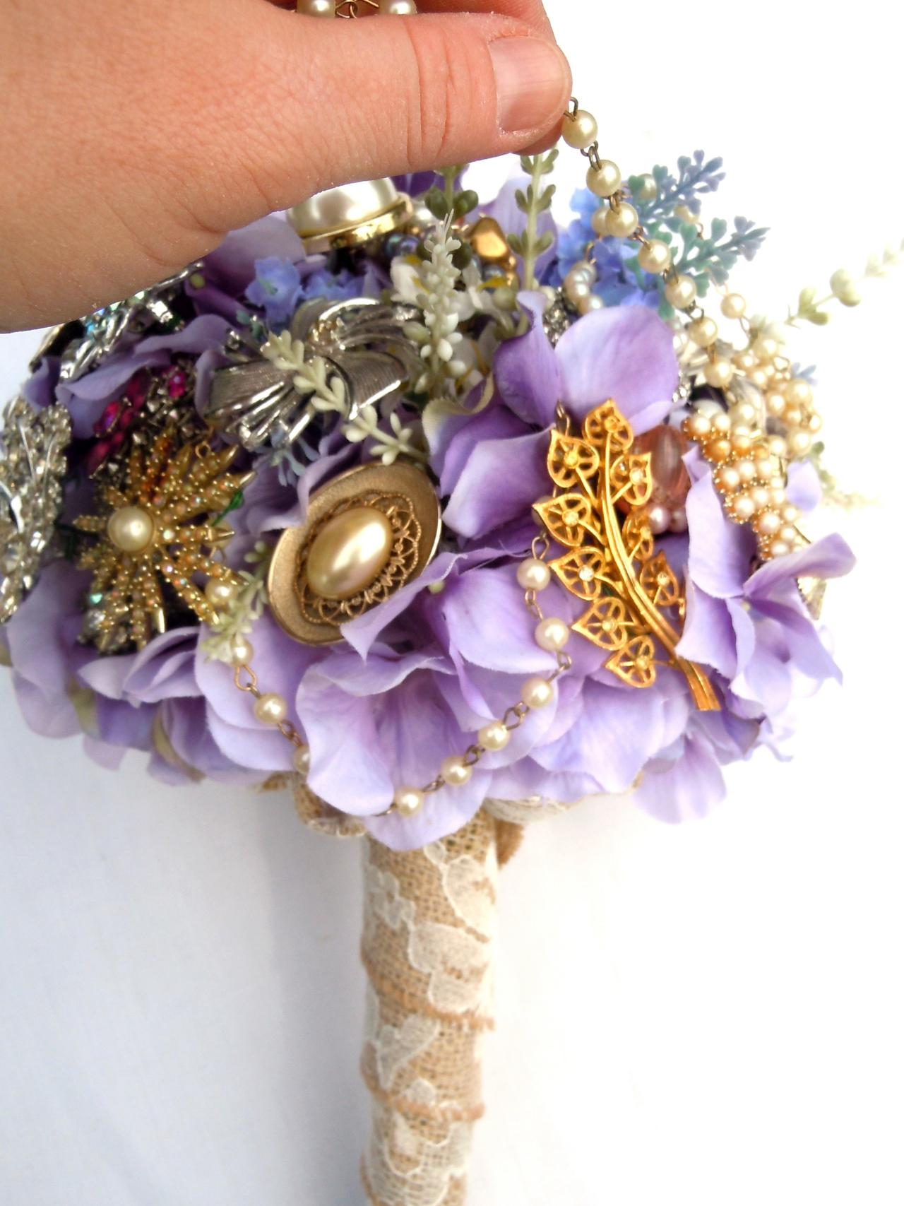How To Make A Brooch Bridal Bouquet How Tos Diy
