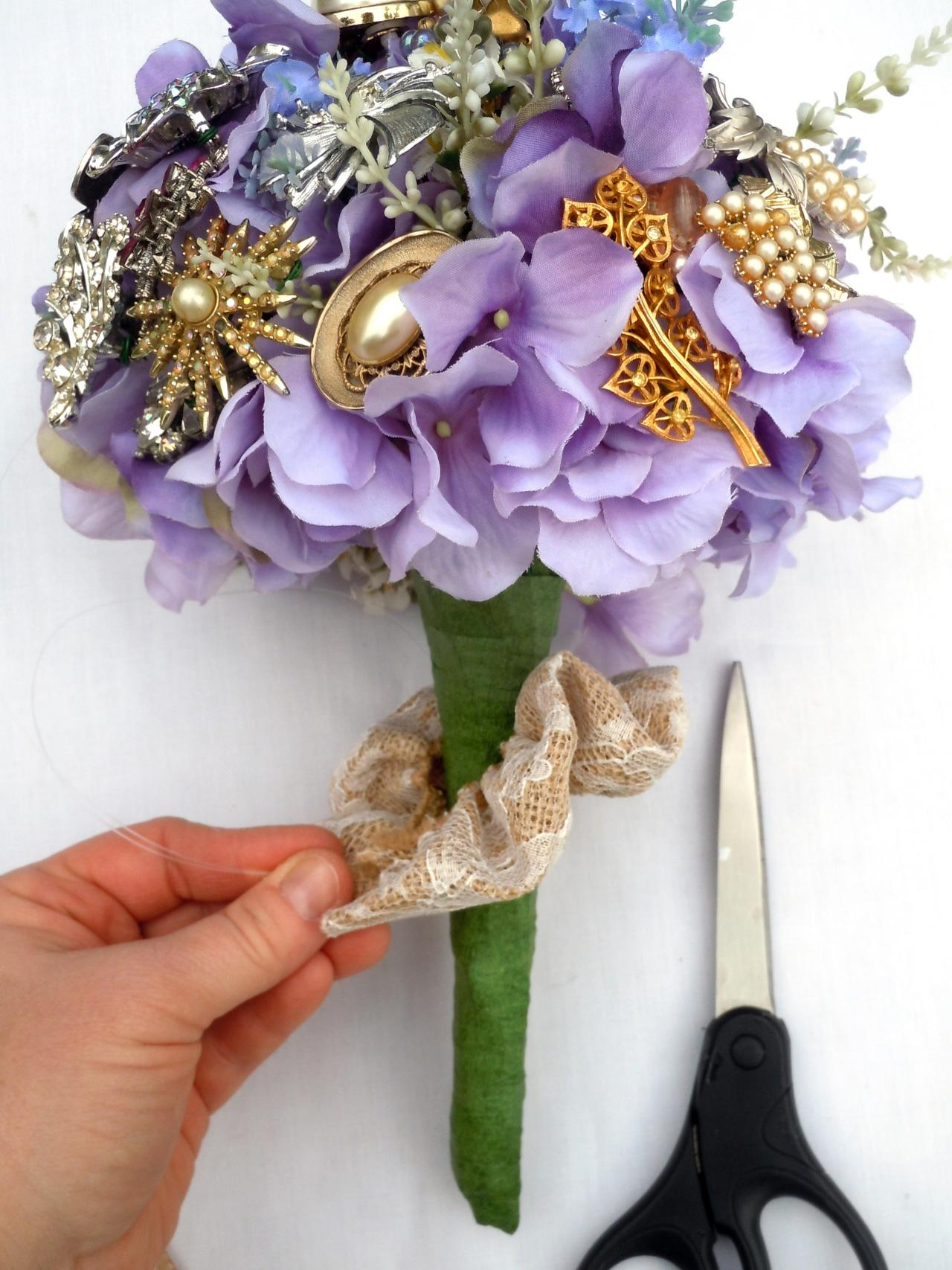 How to make a brooch bridal bouquet how tos diy step 7 izmirmasajfo