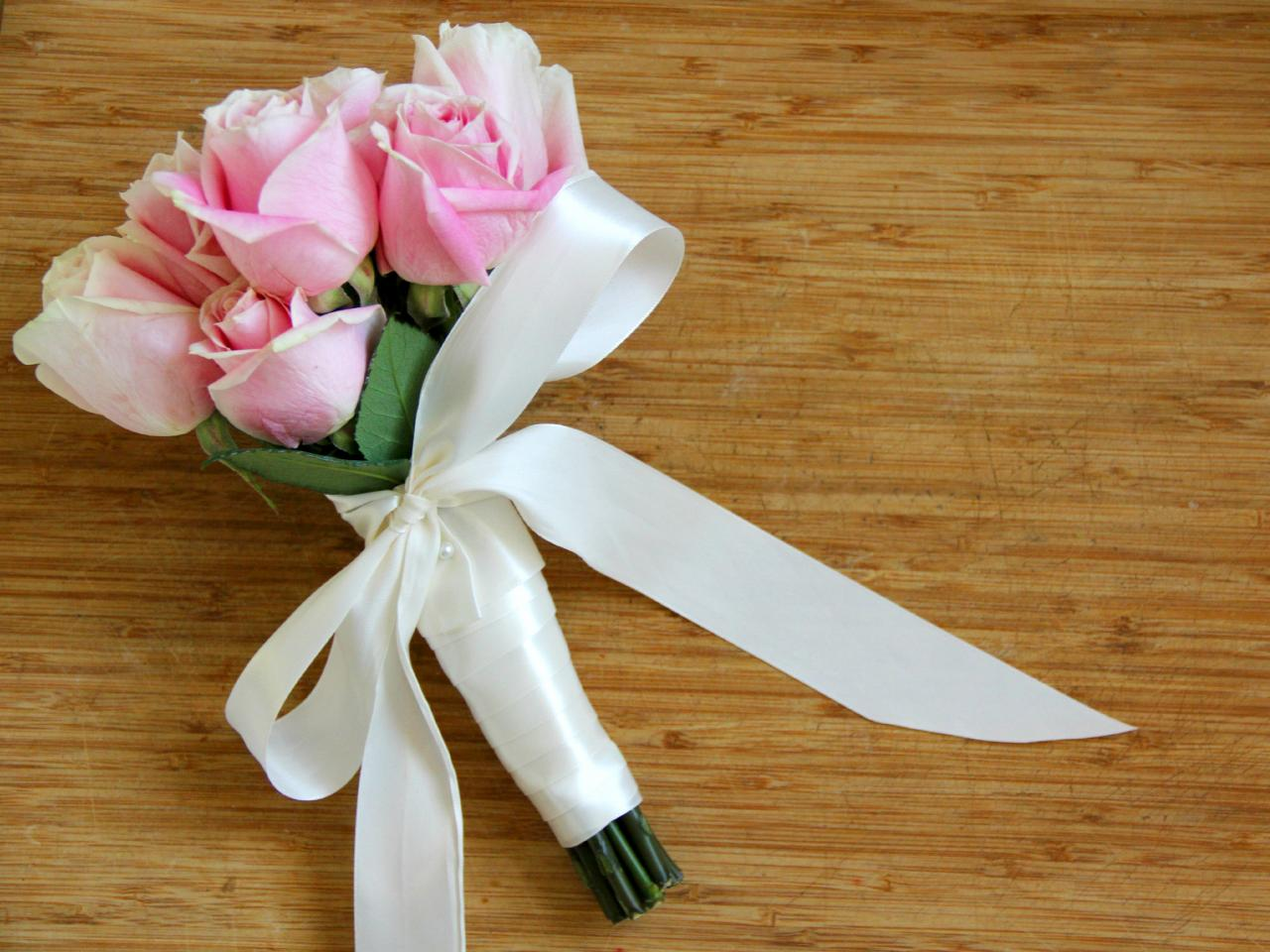 Use Silk Ribbon To Create A Wedding Bouquet How Tos Diy