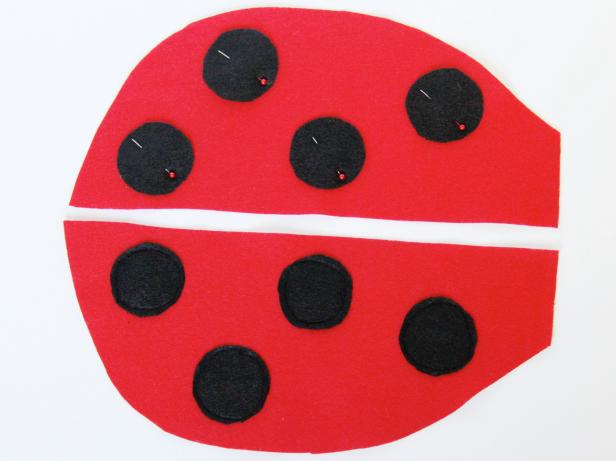 CI-Carla-Wiking_Halloween-Dog-lady-bug-costume-pin-dots-step4_h