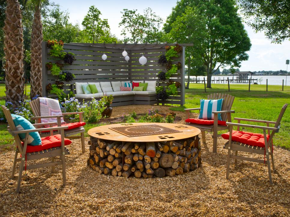 35 Amazing Outdoor Fireplaces and Fire