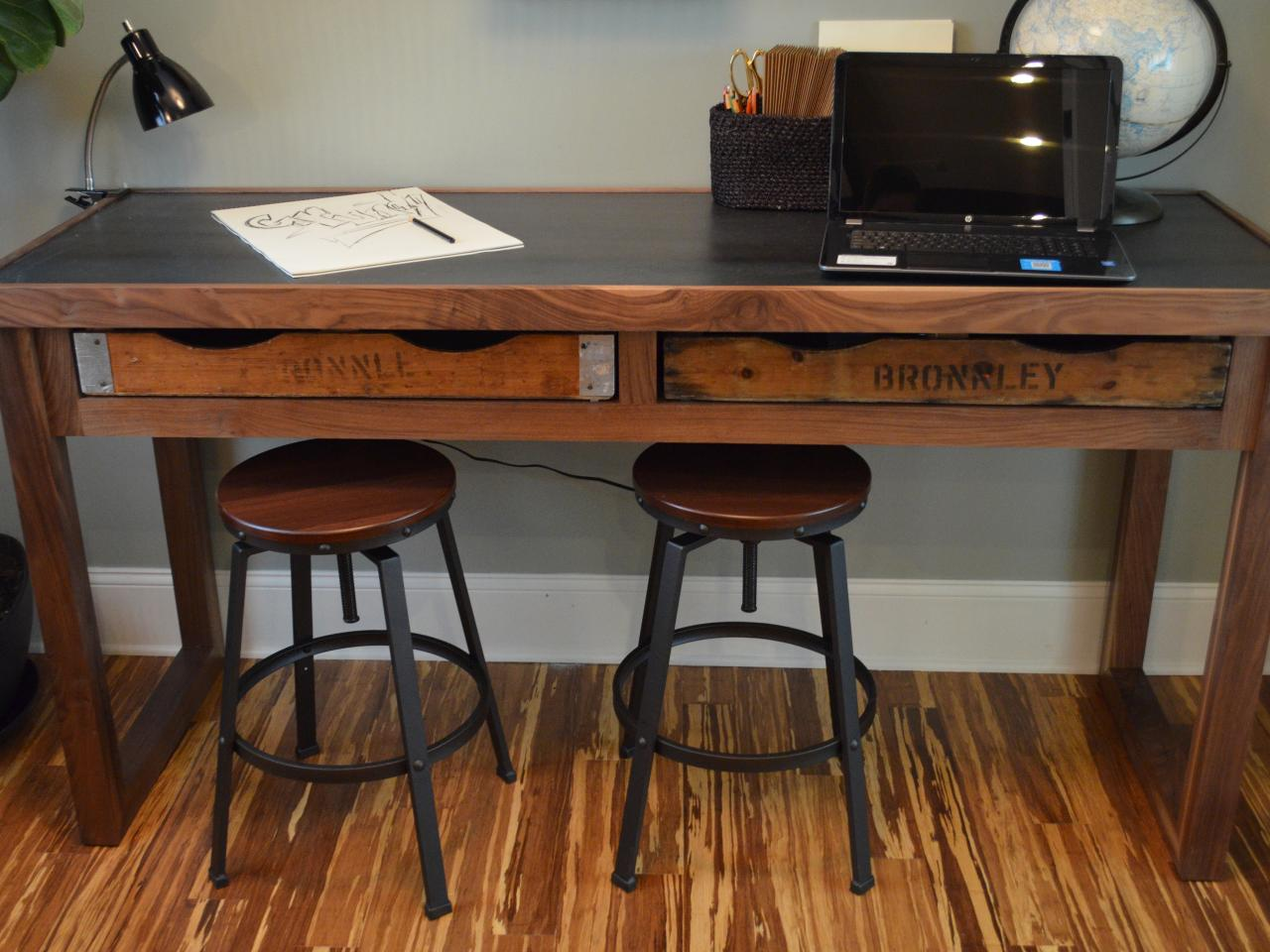 how to build a rustic office desk | how-tos | diy
