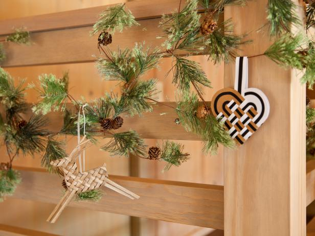 CI-Laurie-March_Scandanavian-Christmas-ornaments-garland_h