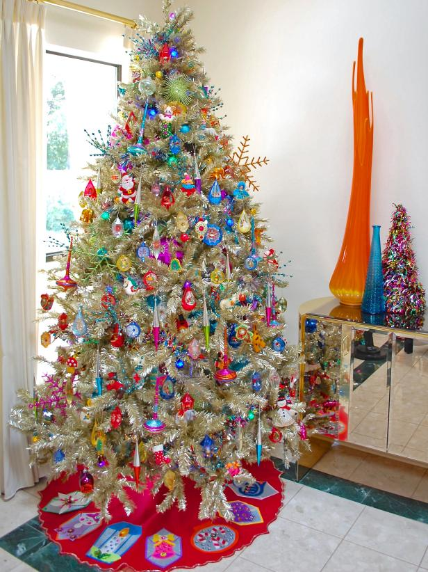 View The Gallery - 10 Totally Outrageous Retro Christmas Trees DIY
