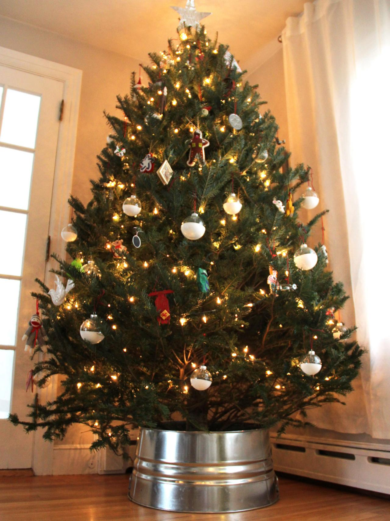 diy galvanized christmas tree collar hack - Steps To Decorating A Christmas Tree