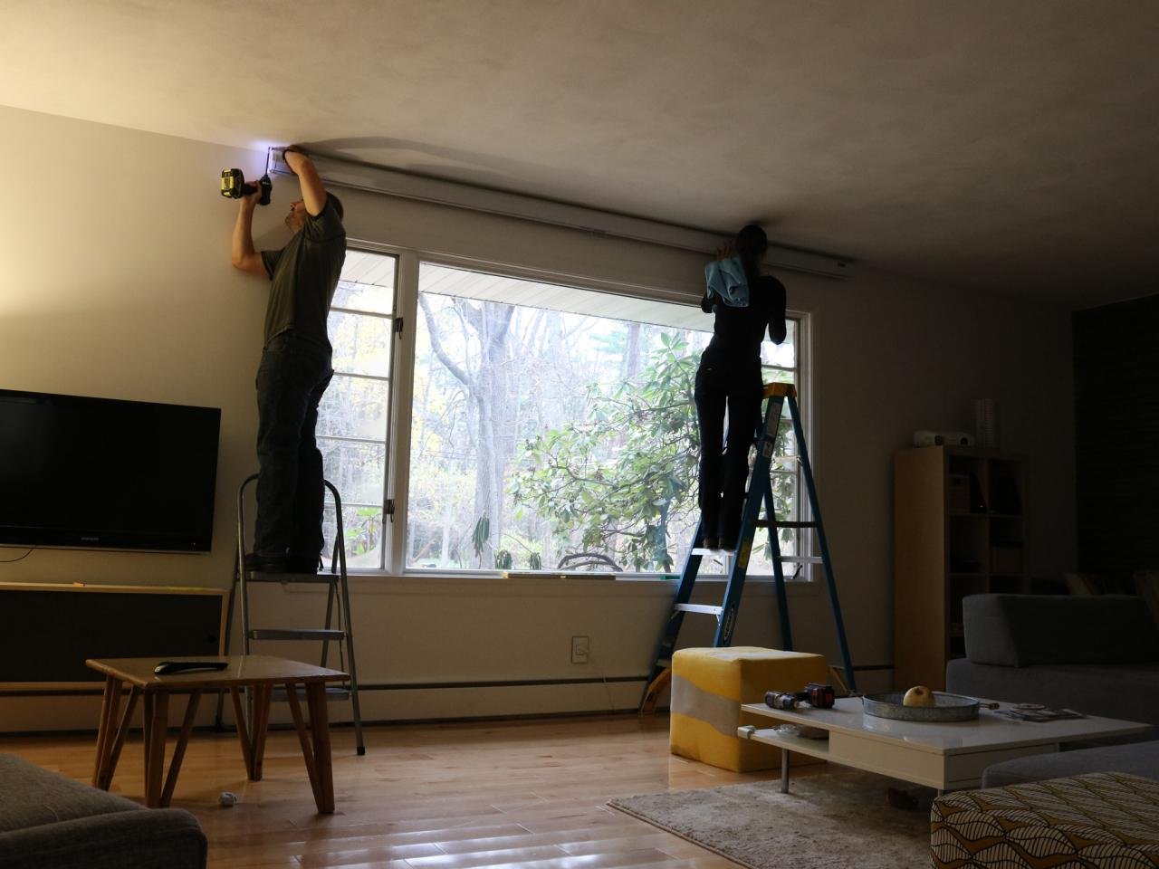 Install Projector Screen A Room