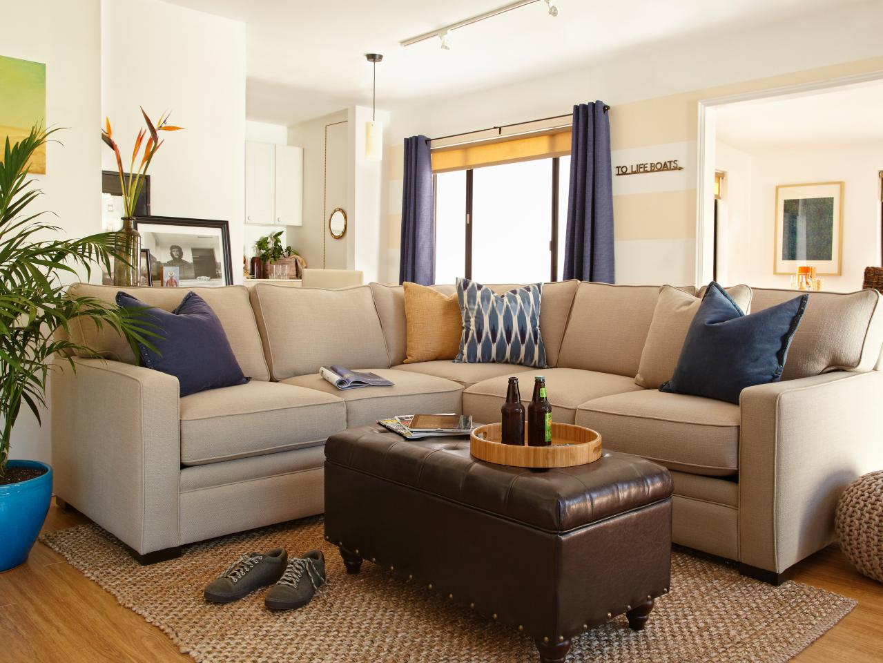 how can i decorate my small living room dos and don ts of decorating a rental hgtv 28206