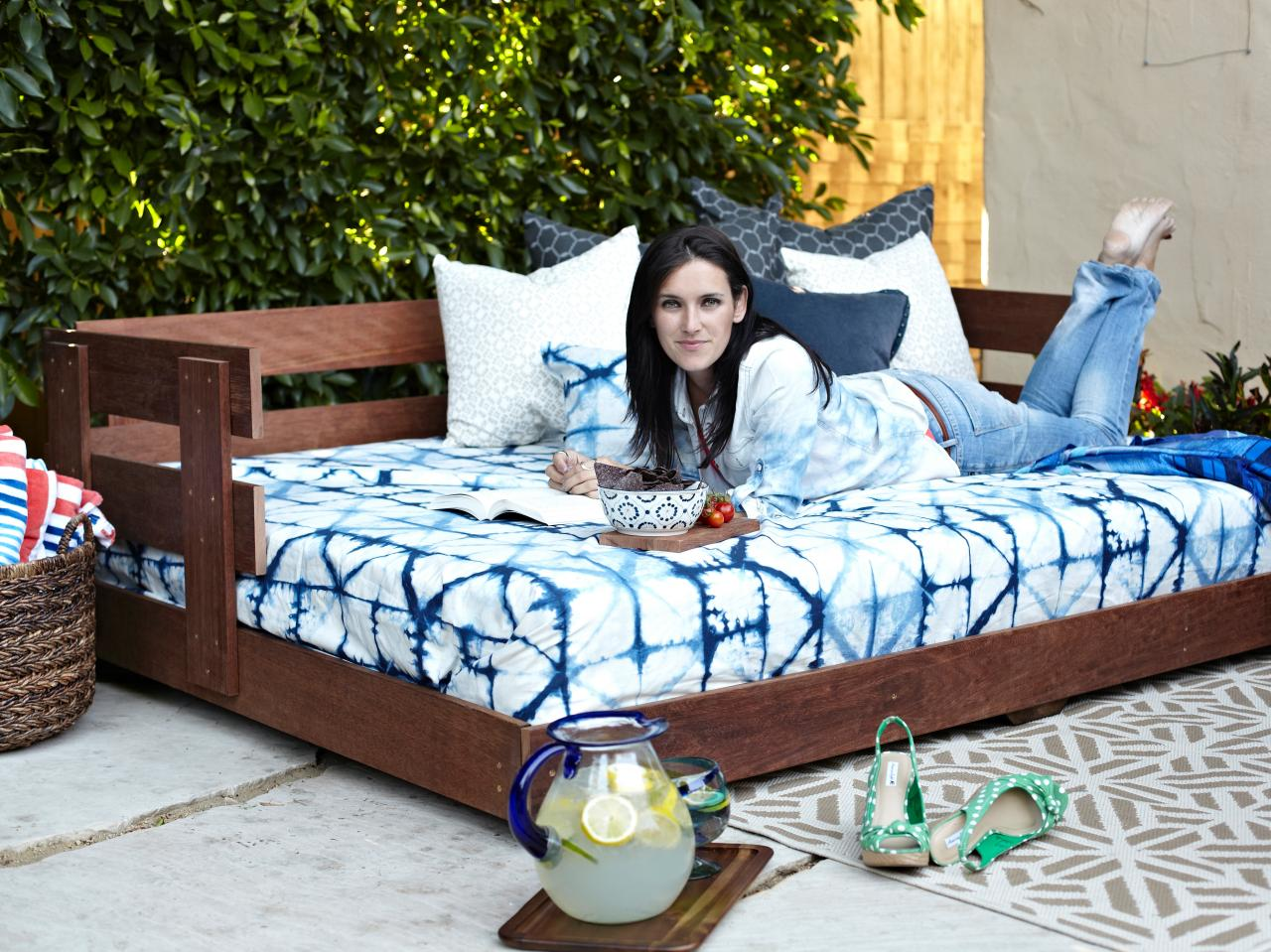 Build a Lounge-Worthy, Outdoor Daybed | how-tos | DIY