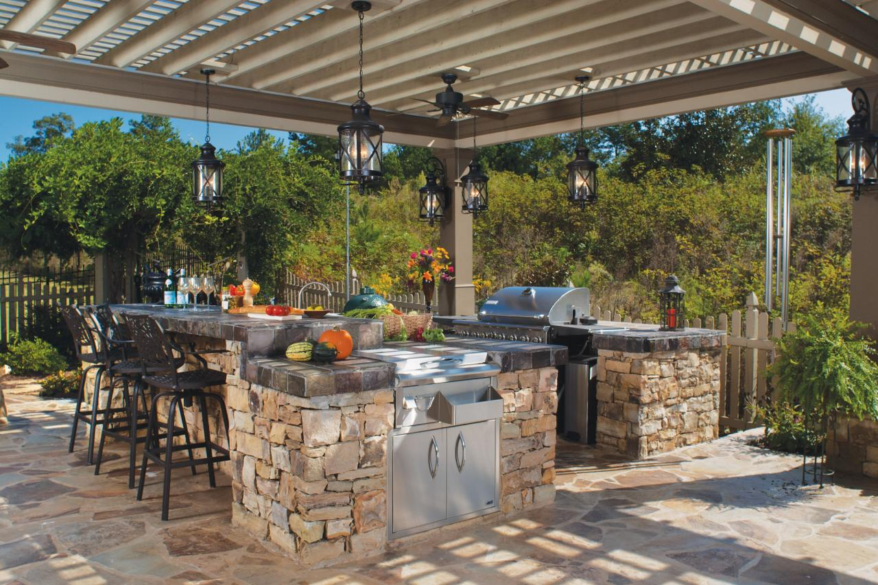 Amazing Stone Outdoor Kitchen