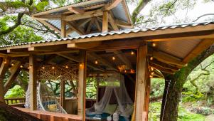 Hawaiian Treehouse With Gorgeous Design Details