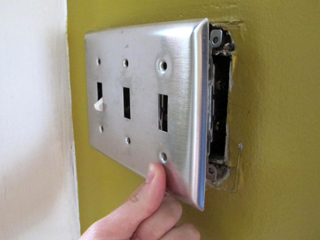 Changing A Light Switch How Tos Diy Wiring Mistakes Step 2