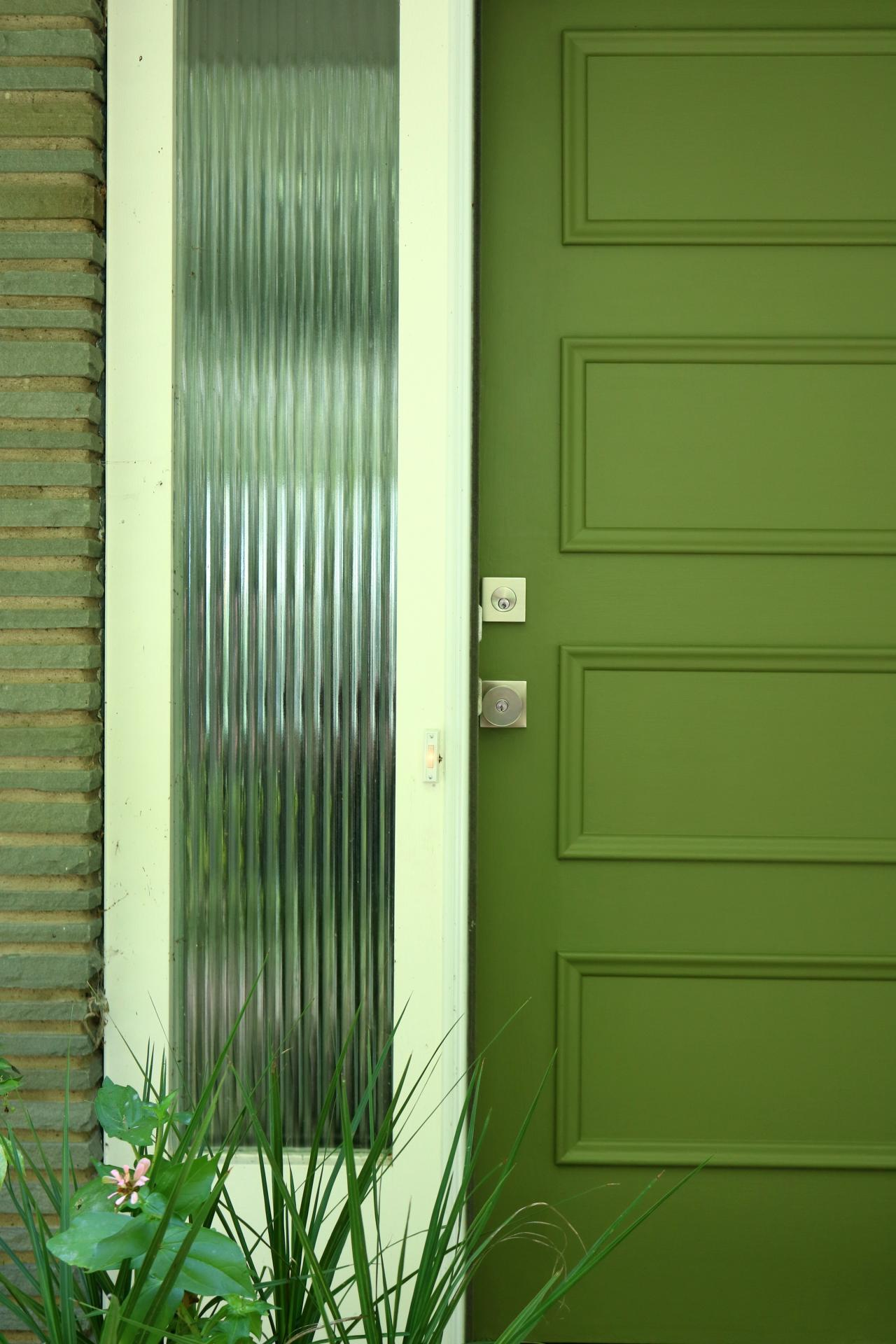 Learn how to paint your front door how tos diy Dark green front door paint