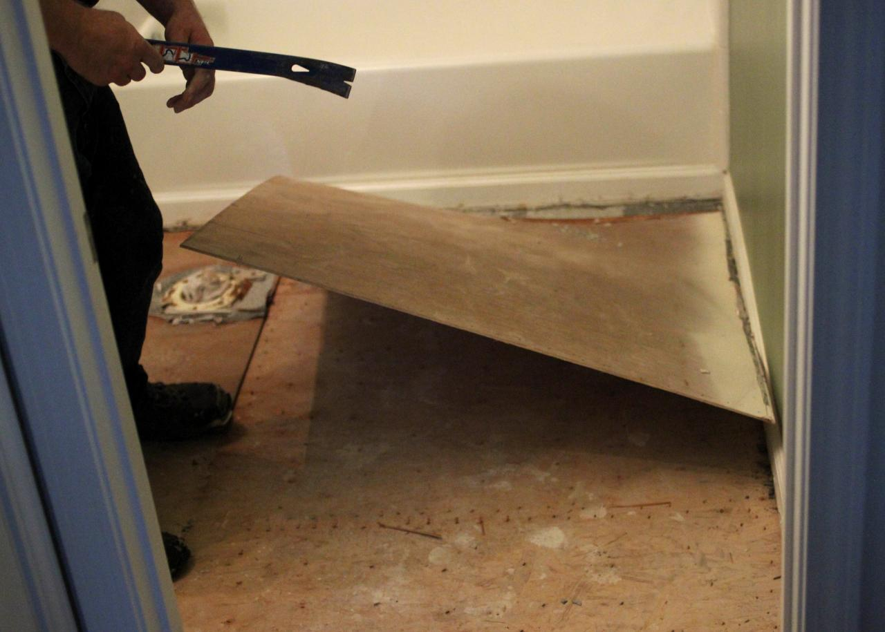How to Remove a Tile Floor | how-tos | DIY