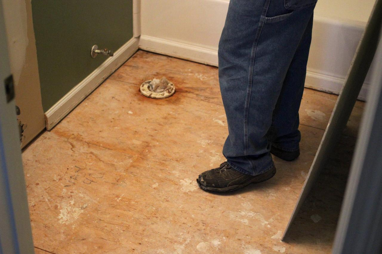 How To Remove A Tile Floor Howtos DIY - How to replace ceramic tile floor in the bathroom