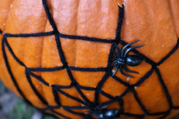 Halloween Decoration Spider Web Pumpkin How Tos Diy
