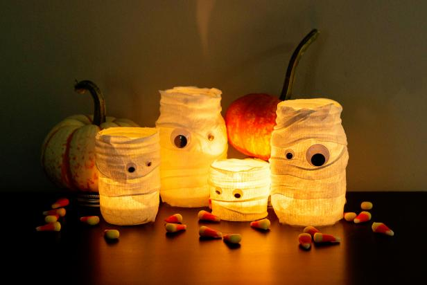 Canning Jar Mummy Luminaries-Light