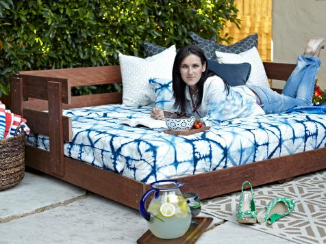 Create a Lounge-Worthy Daybed