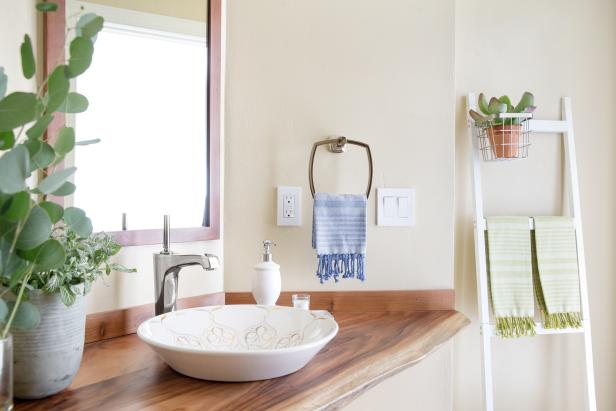 10 Paint Color Ideas For Small Bathrooms Diy Network Blog