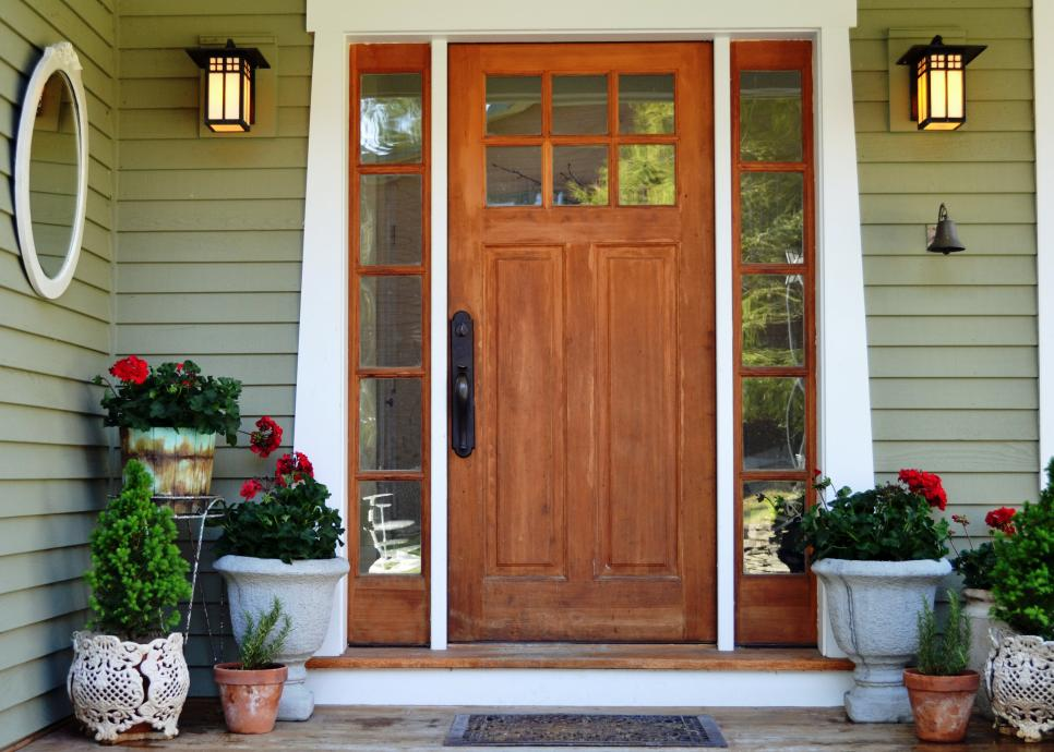 11 ways to decorate your front porch or entryway diy Plants next to front door