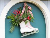 How to Make a Perfectly Wintry Ice Skate Wreath