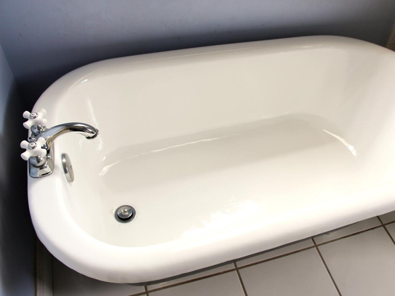 How to Refinish a Bathtub | how-tos | DIY