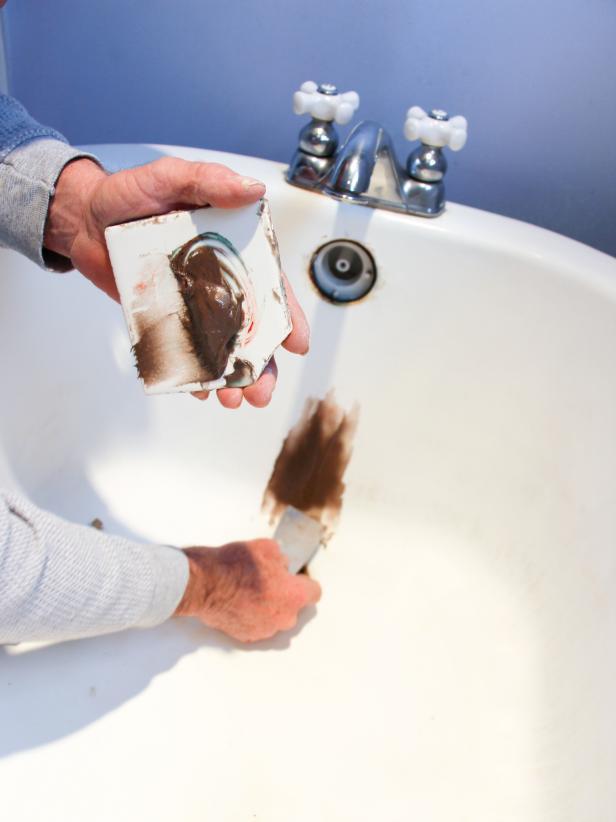 How to Refinish a Bathtub | how-tos | DIY