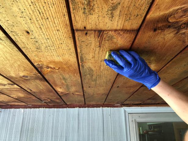 How to Remove Mold From a Wooden Ceiling