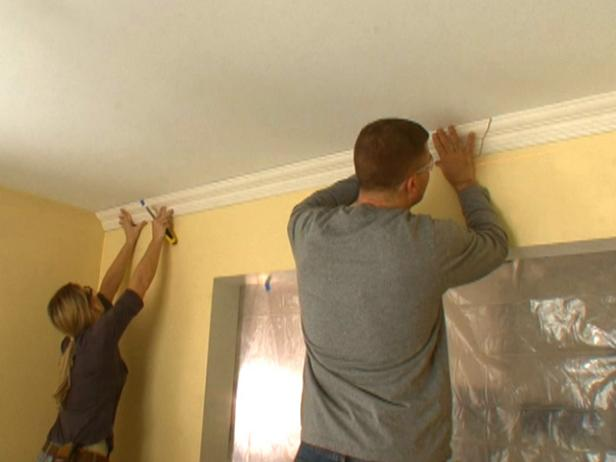how to put up crown molding on kitchen cabinets how to hang crown molding diy 17269